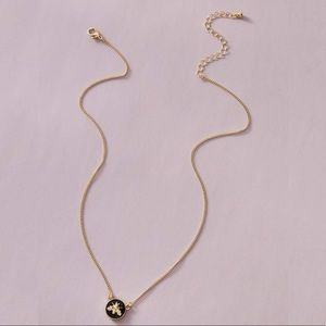3/$30 💛 Bumblebee Enamel Pendant Necklace